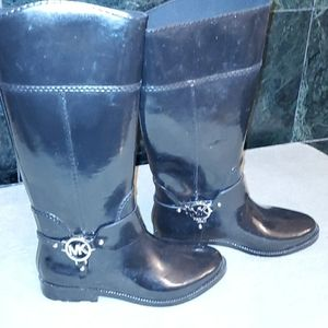 Michael kors size 8 rain boots